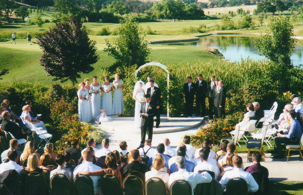 Whitney Oaks ceremony